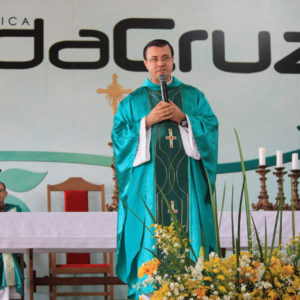 Sou Padre Diocesano e vivo o Carisma da Comunidade Filhos da Cruz
