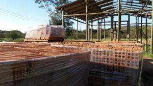 construção dos sanitários na sede FDC