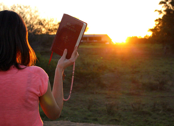 Qual a importância da oração pessoal na vida dos Filhos da Cruz?